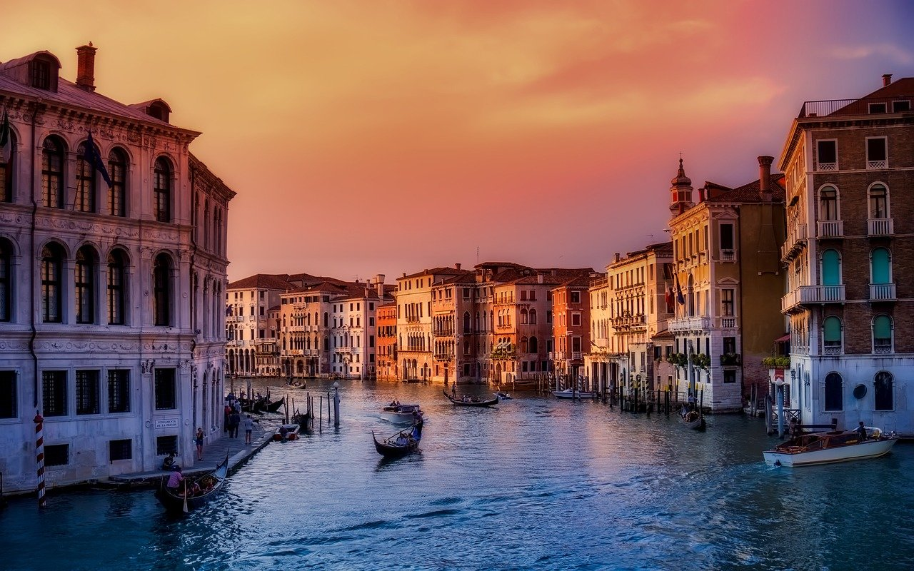"""<cur_name>US$</cur_name><cur_val>1717</cur_val> &#8211; <span id=""""translate"""">Cheap flights to</span> <span id=""""translate"""">Venice</span> <span id=""""translate"""">from</span> <span id=""""translate"""">Fortaleza</span> &#8211; <span id=""""translate"""">Business Class</span>"""