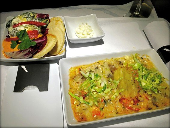 American Airlines First Class Review Domestic 3-class trans continental A321T San Francisco (SFO) to New York (JFK)