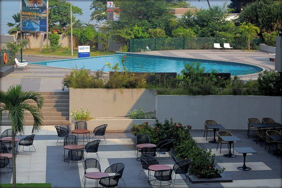 Radisson Blu Libreville Review & Park Inn Libreville Review – Are these the two properties with the world's meanest staff?