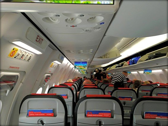 Norwegian Economy Review Tromsø (TOS) – Edinburgh (EDI) 737-800