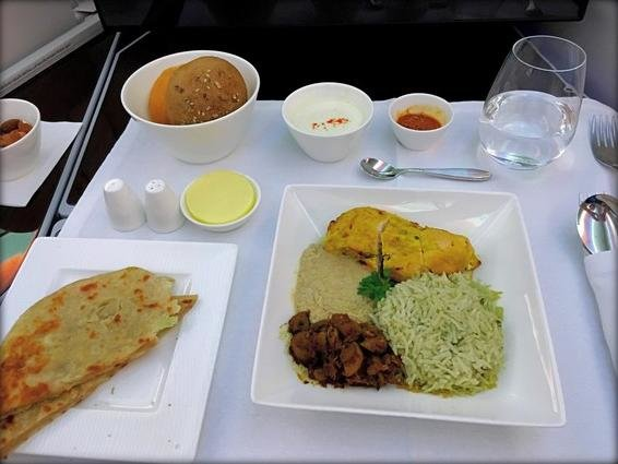 Qatar Airways Business Class 787 food