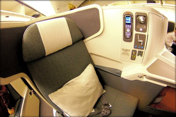 Cathay Pacific Business Class Review Los Angeles (LAX) to Hong Kong (HKG) CX 883