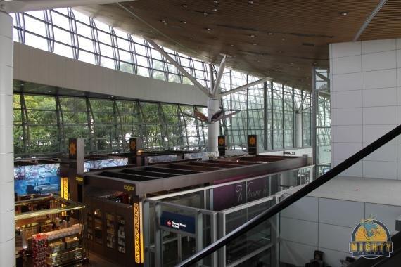 Review: Malaysian Airlines Regional Business Class Kuala Lumpur, Malaysia to Jakarta, Indonesia – MH 723