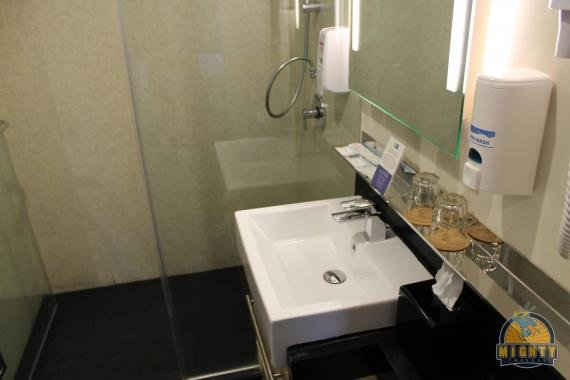 Review: Holiday Inn Express Jakarta Thamrin, Indonesia