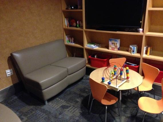 The Alaska Boardroom at Los Angeles Airport (LAX) Review