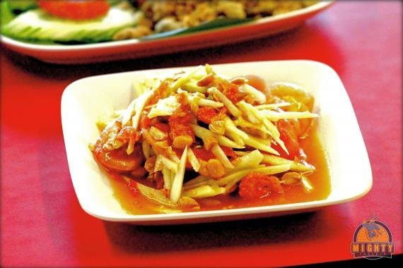 Sample original Thai food at Somtam Nua, Bangkok near Siam Square – Bangkok's best papaya salad?