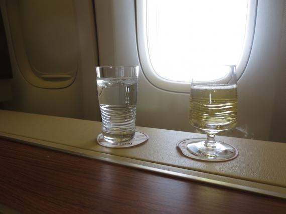 Thai Airways First Class (Suites) Tokyo, Japan to Bangkok, Thailand (BKK) Review
