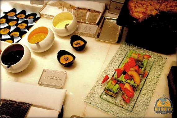 The Wing First Class Lounge by Cathay Pacific Review at Hong Kong Airport