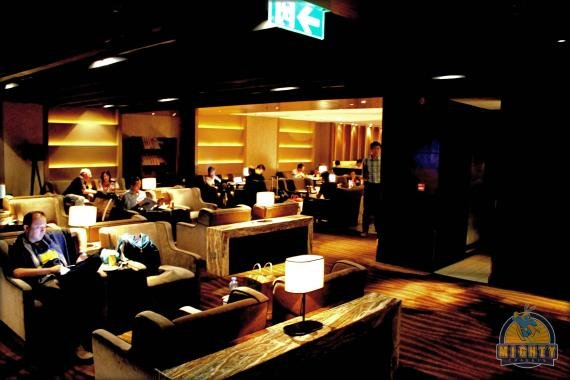 Plaza Premium Lounge Review Hong Kong Airport (Priority Pass)