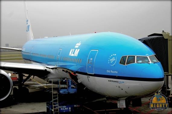 Review KLM Amsterdam to Osaka, Economy Class – KL867
