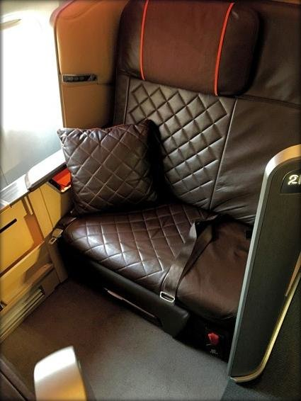 Singapore Airlines First Class Review Singapore (SIN) to San Francisco (SFO) via Hong Kong (HKG) SQ2 777-300ER