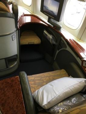 China Airlines Business Class Review Tokyo (NRT) to Taipei (TPE) on a 747