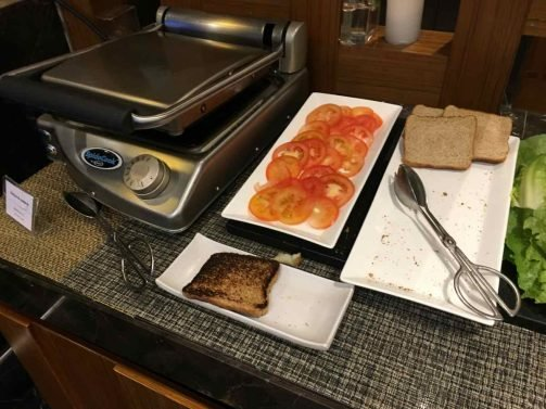 Courtyard by Marriott Bogota Airport Review