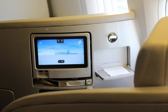 Air New Zealand Business Class / Economy Class Review Auckland (AKL) to Brisbane (BNE) 777-200