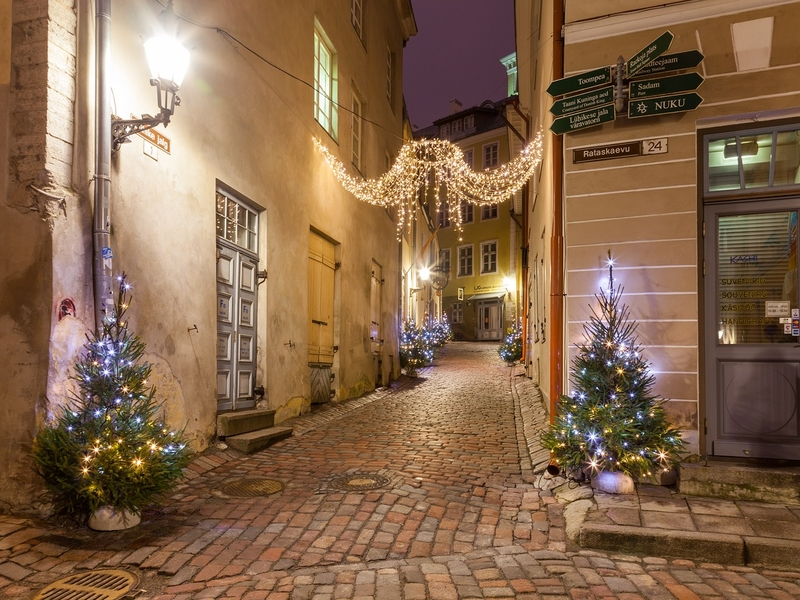 """<cur_name>US$</cur_name><cur_val>98</cur_val> &#8211; <span id=""""translate"""">Cheap flights to</span> <span id=""""translate"""">Tallinn</span> <span id=""""translate"""">from</span> <span id=""""translate"""">Budapest</span> (Norwegian)"""
