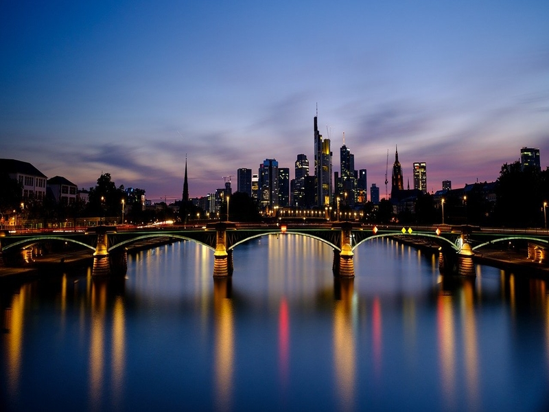 """<cur_name>US$</cur_name><cur_val>268</cur_val> &#8211; <span id=""""translate"""">Cheap flights to</span> <span id=""""translate"""">Frankfurt</span> <span id=""""translate"""">from</span> <span id=""""translate"""">New York</span>"""